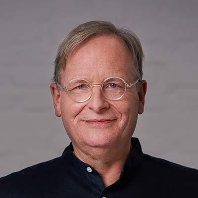 Ayurveda Kochbuch Co-Autor Prof. Dr. Dietrich Grönemeyer